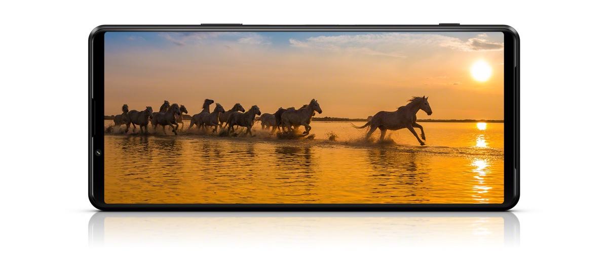 Xperia 1 III 4K HDR OLED 120 HZ display